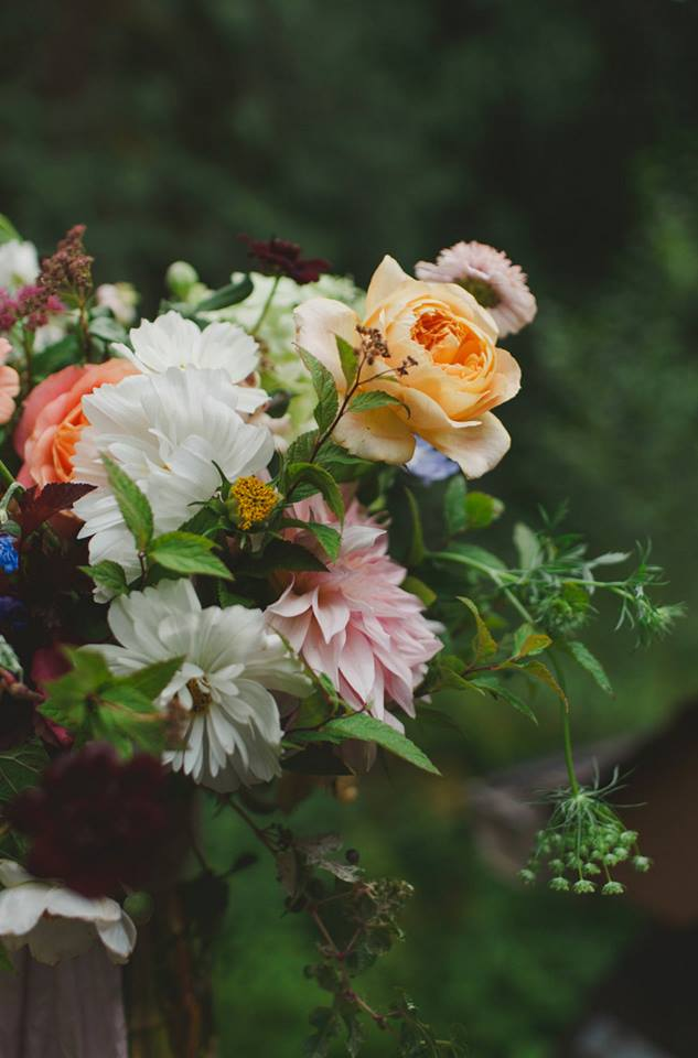 tree house wedding florist seattle washington hart floral